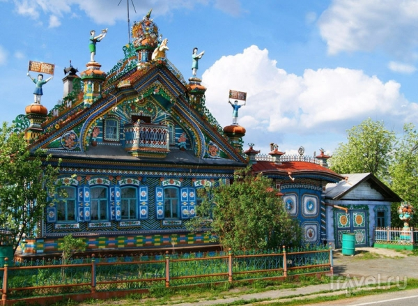 Дом кузнеца Кириллова: сказочный терем на Урале