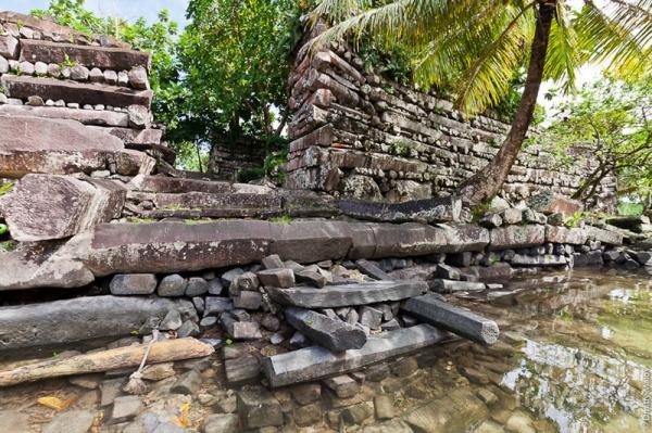 Нан-Мадол: руины древнего города в Микронезии